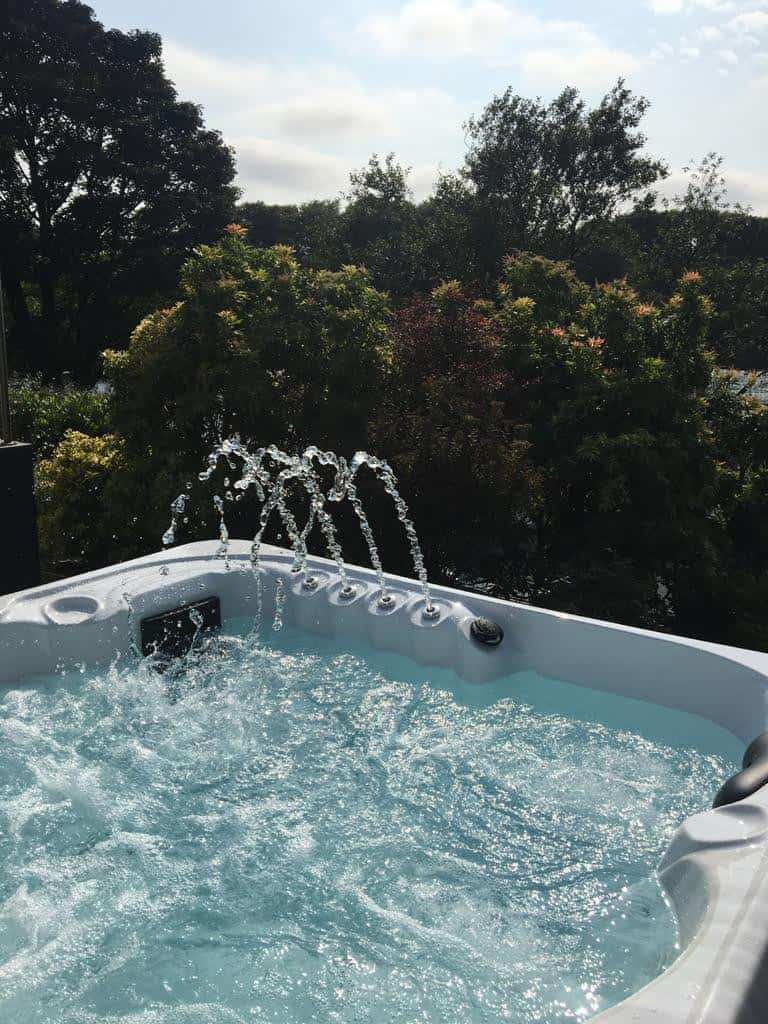Hot tub installation Kettering A