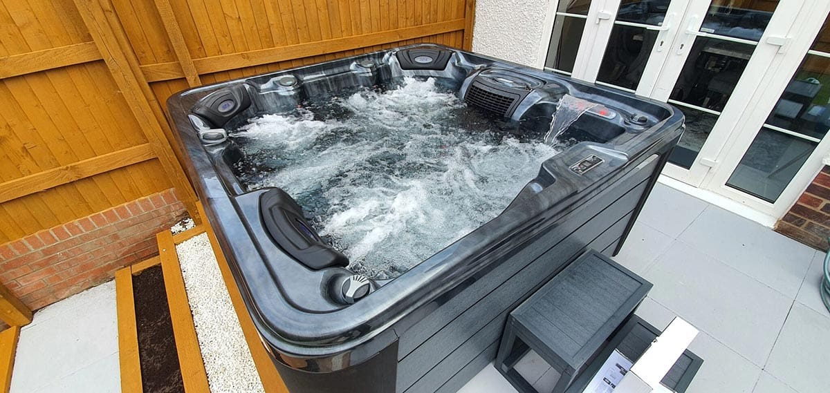 Raunds Hot Tubs Northants